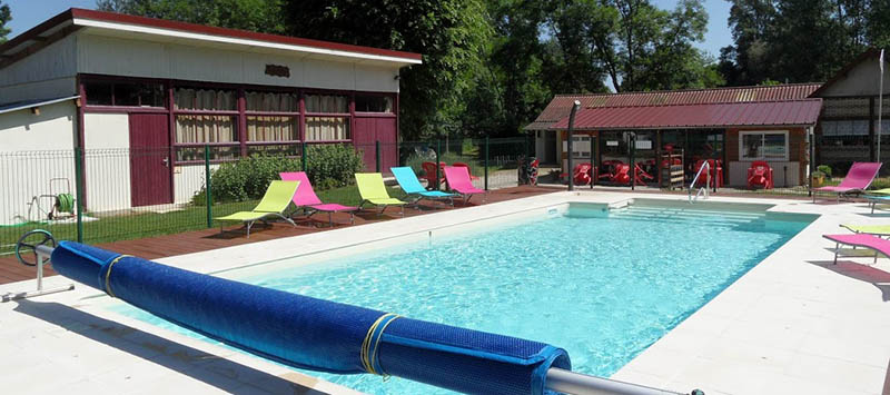http://www.cstroyes.fr/img/camping-photos/cstroyes-hd-piscine-2.jpg